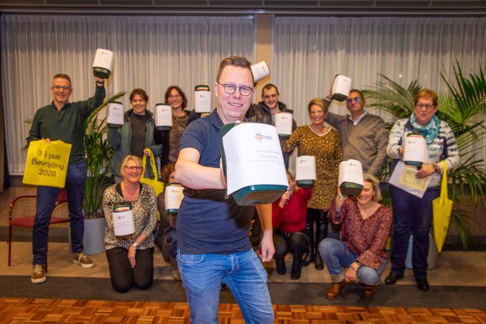 De Stichting Tholen Sterk, met op de voorgrond voorzitter William van Leeuwen.