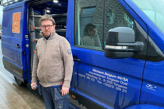 Steff Jacobs ontdekte donderdagochtend dat de bestelwagen van zijn werkgever was leeggeroofd.