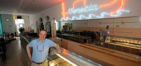 Je kunt weer een bezoekje brengen aan de beroemde ijssalon Venezia, maar je moet er wel een stukje voor rijden