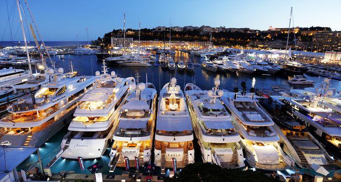 De haven van Monte Carlo, Monaco, is een van de bekendste ter wereld.