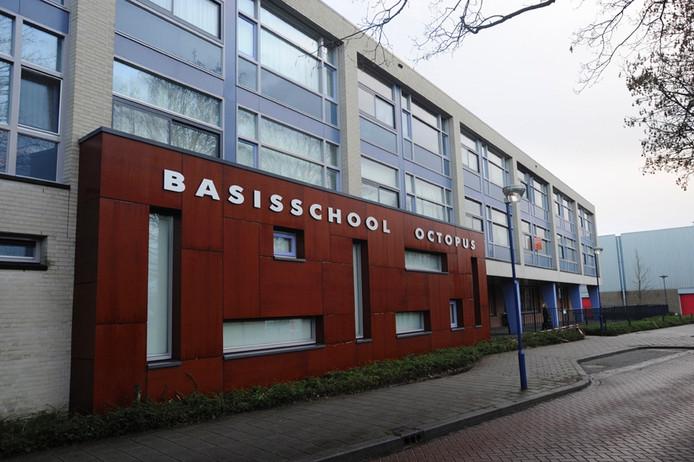 De gemeenteraad van Boekel is er nog niet uit of het nieuw te bouwen kindcentrum aan de Parkweg komt, bij de huidige basisschool Octopus