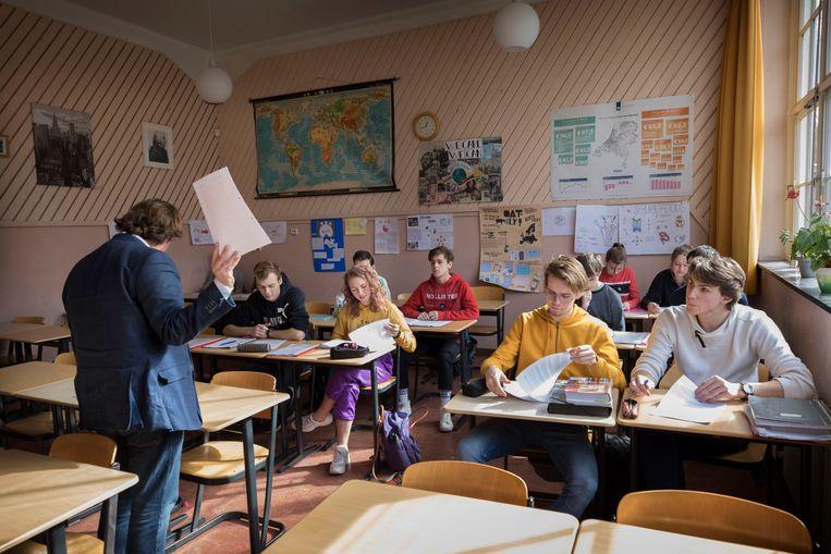 Een klas in de Stichtse Vrijeschool in Zeist.  Beeld Hollandse Hoogte / Werry Crone
