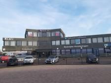 Rabobank en ING in de clinch over servicepunt in Zierikzee;  Vooral ouderen zijn met zo'n balie geholpen