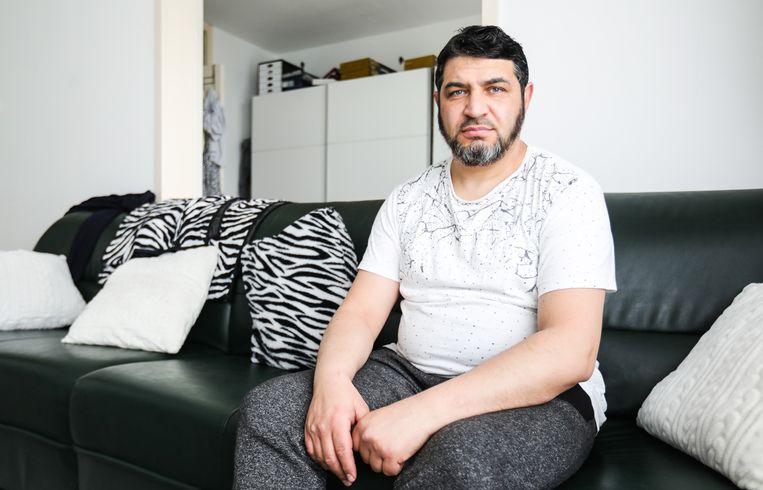 Gyven Hasani: 'Een Canta is zo'n uitkomst, de jongens kunnen niet zelfstandig naar school.' Beeld Eva Plevier