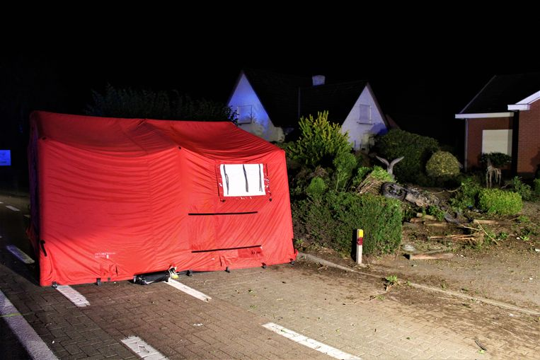 Het ongeeval gebeurde op 4 augustus 2016, even voor middernacht, langs de Oostendesteenweg in Ichtegem.
