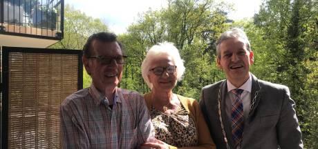 Echtpaar uit Rhenen viert 65-jarig huwelijk: 'Geef elkaar de ruimte'