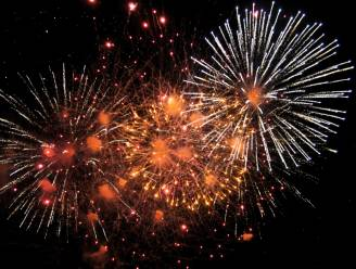 Passendale zwaait zomer uit met optredens en vuurwerk