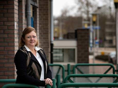 Monique uit 'Ik Vertrek' tijdelijk terug in Helmond: 'Er kwam geen geld meer binnen'