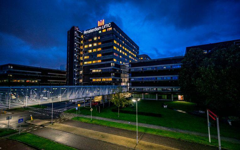 Het Academisch Medisch Centrum in Amsterdam. Het academisch ziekenhuis en de medische faculteit werken sinds 2018 samen met het VUmc onder de vlag Amsterdam UMC. Beeld Raymond Rutting / de Volkskrant