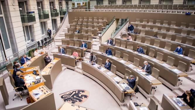 """Vlaams parlement trekt budget voor eigen tv-zender met meer dan de helft op, """"ook aandacht voor gastronomie"""""""