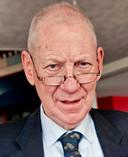 Prof. Rinus van Schendelen Hoogleraar aan de Erasmus Universteit.