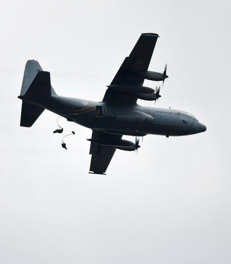 Dit is waarom vanmiddag vijf grote Hercules-transportvliegtuigen over Gorinchem raasden