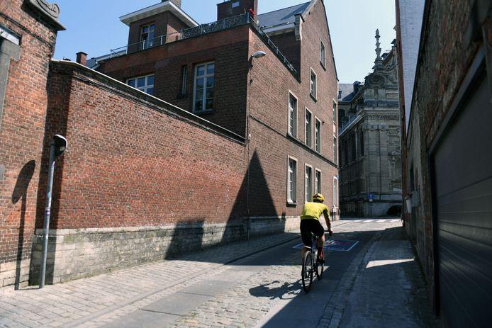 Op een klein half uur zagen wij vier wielertoeristen de Sint-Antoniusberg in Leuven oprijden.