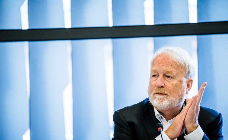 Jaap van Dissel, directeur RIVM, praat de Tweede Kamer bij tijdens een technische briefing. Beeld ANP