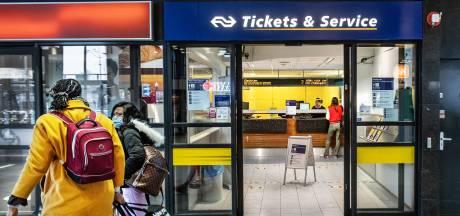 Hoe het loket stilletjes van  station Nijmegen verdwijnt