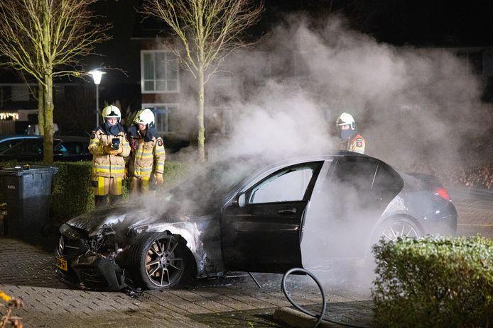 Eind vorig jaar ging in Stadshagen opnieuw een auto in vlammen op, waarbij sprake is van brandstichting.