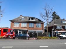 Springende waterleiding overvalt politie tijdens onderzoek in uitgebrand Apeldoorns pand