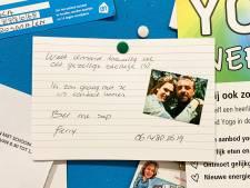 Undercover-ster Ferry Bouman op prikbord in supermarkt: 'Wie is dit stelletje? Bel me svp'