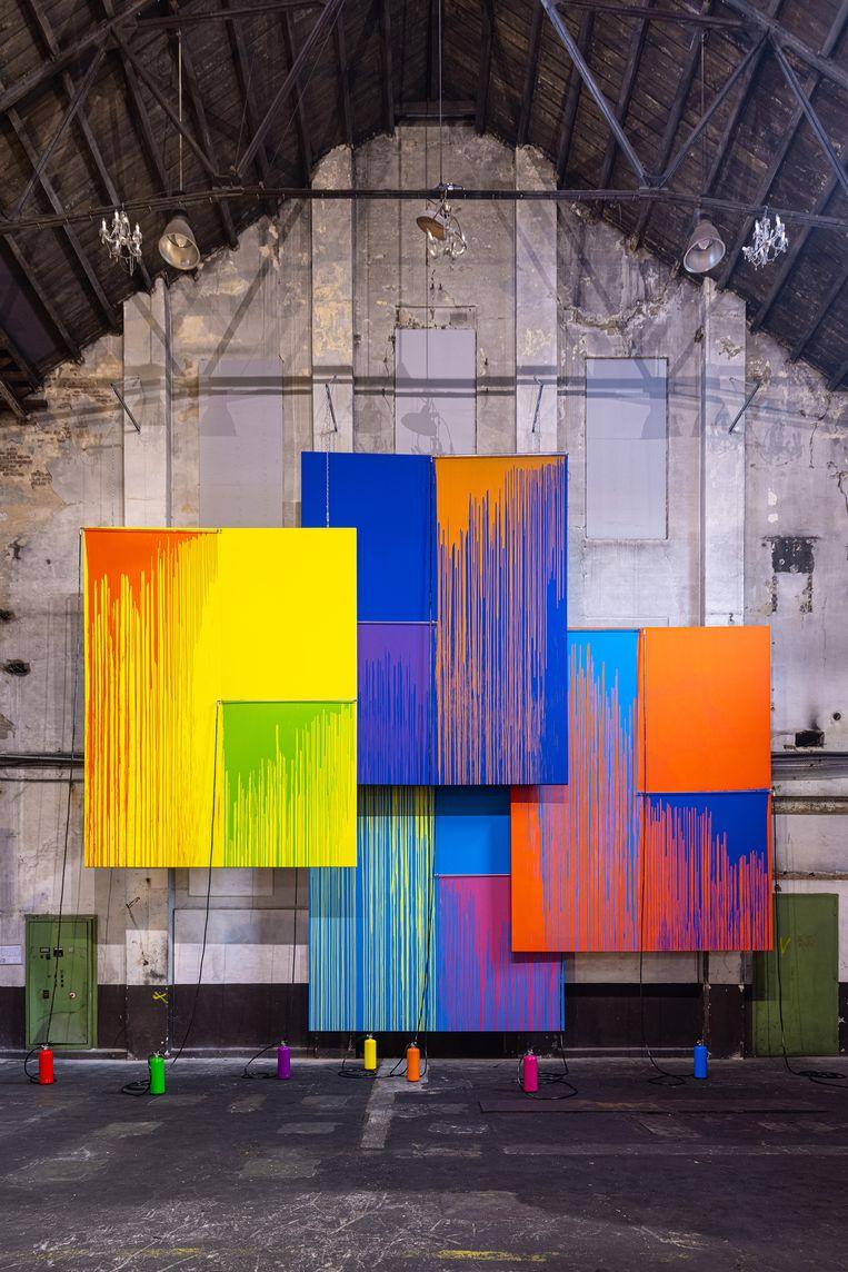 De kleurrijke doeken van Rutger de Vries. Beeld Jan Willem Kaldenbach