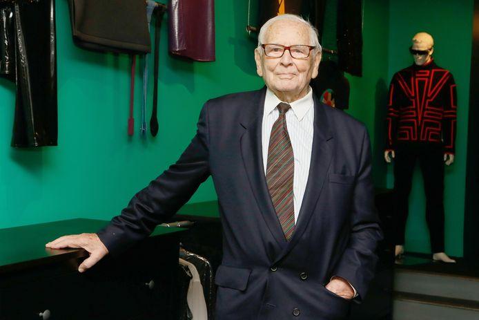 Le couturier français Pierre Cardin est décédé mardi à l'âge de 98 ans.