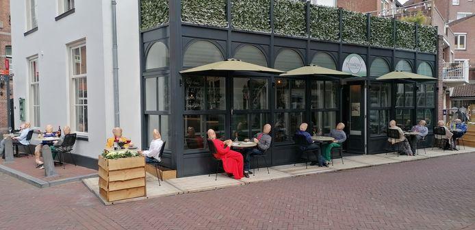 Bij Peter&Selie aan de Koestraat in Amersfoort is men al helemaal klaar voor de heropening van de terrassen.