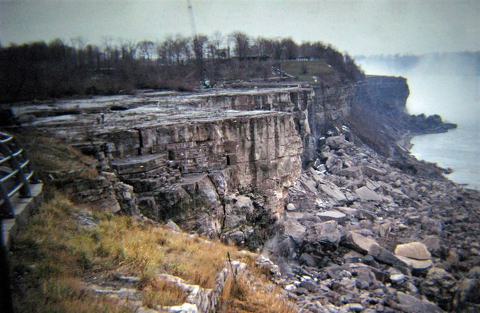 Om de erosie te bestuderen werden de watervallen in 1969 al eens uitgezet.