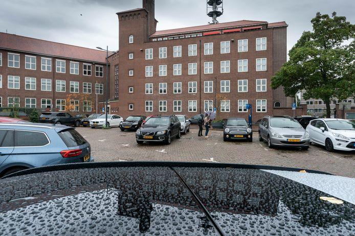 Een deel van het voormalige KPN kantoor aan de Prins Bernhardstraat.
