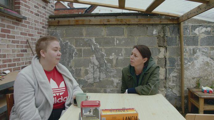 Stefanie (links) vertelde in 'Zorgen voor Mama' over haar problemen