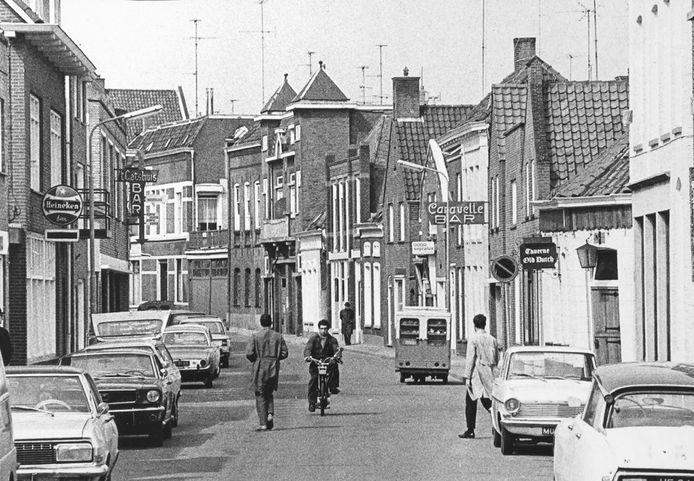 Uitgaansgebied Damstraat in Roosendaal in 1970.