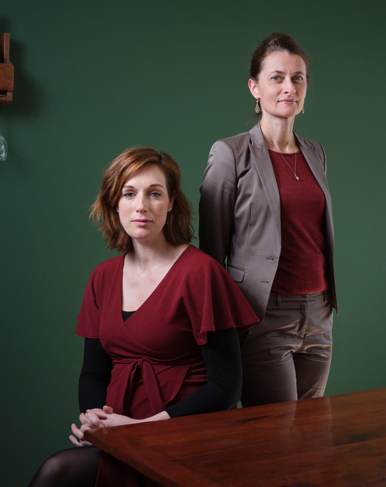 Sonja Rutten en Odile van den Heuvel zijn verbonden aan de poli neuropsychiatrie in het Amsterdam UMC die Van den Heuvel opzette voor parkinsonpatiënten. Beeld Erik Smits