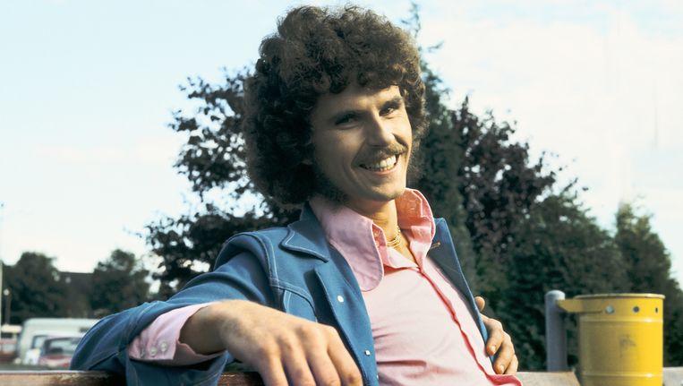 Het album Vroeger of later werd in 1974 door omroepen als KRO, EO, NCRV, TROS en AVRO geboycot vanwege de spottende toon. Beeld null