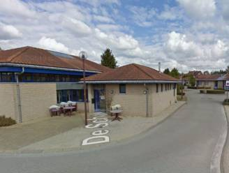 Dertig seniorenwoningen De Schakel worden verkocht aan IZI Wonen voor 1,9 miljoen euro