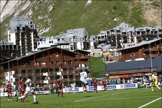 In het skioord Tignes is het plaatselijke stadionnetje naar Eric Cantona genoemd.