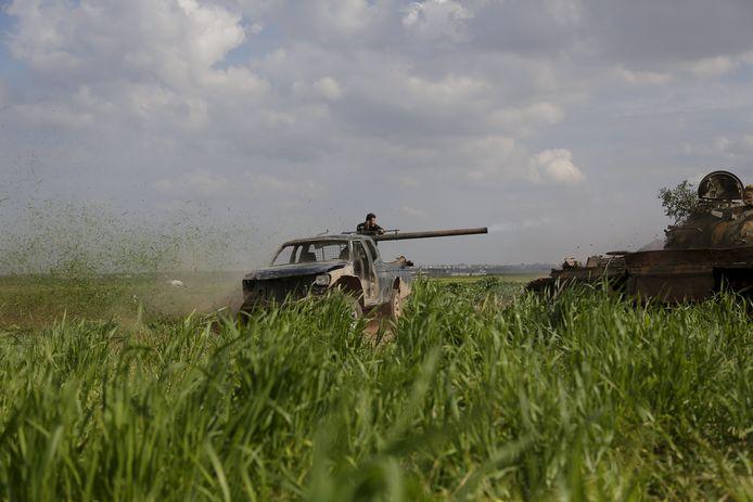 Een strijder van Ahrar al-Sham in 2015 in de buurt van Idlib.