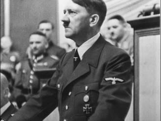 Laatste uniformjas Hitler verkocht voor 275.000 euro