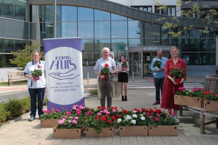 Het Zorghuis leverde geraniumplanten af aan beide ziekenhuizen in Oostende