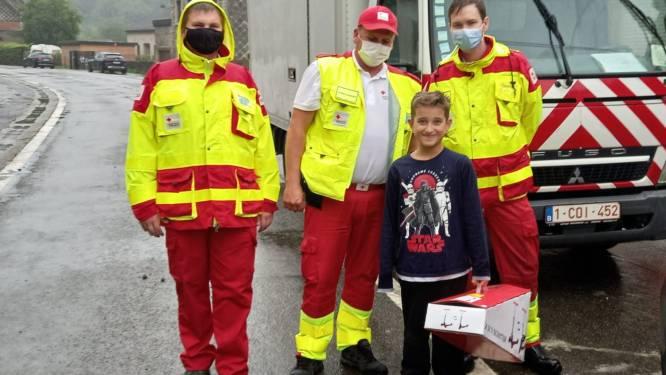 Rode Kruis van Halle verdeelt opnieuw hulpgoederen in rampgebied en breidt actie uit naar buurdorp