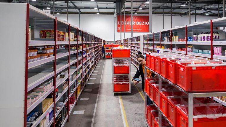 Het distributiecentrum van websupermarkt Picnic aan de rand van Diemen Beeld Rink Hof