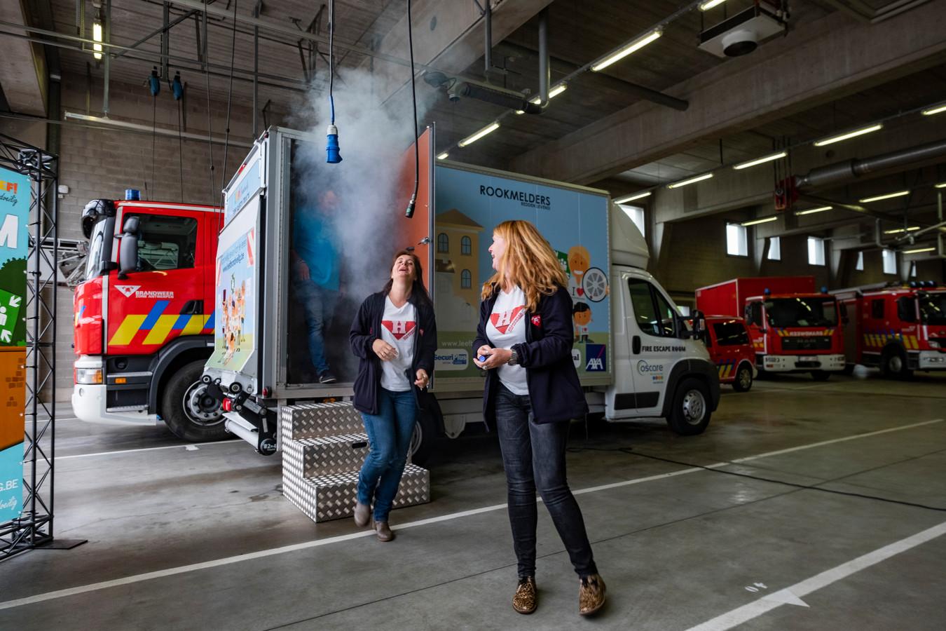 Brandwondencentrum Oscare vzw uit Merksem gaat rondtoeren met een mobiele escape room om burgers over brandveiligheid te sensibiliseren.