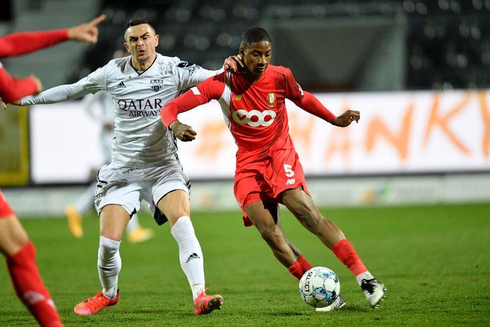 Moussa Sissako et la défense du Standard ont tenu le choc face à Eupen.