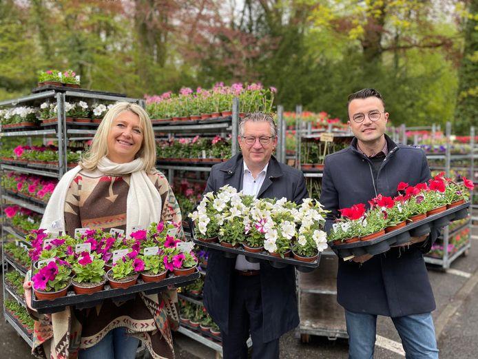 Nooit eerder verdeelde de stad Brugge zoveel gratis bloemen onder haar inwoners.