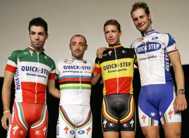 V.l.n.r.: Giovanni Visconti, Paolo Bettini, Stijn Devolder en Tom Boonen. Beeld UNKNOWN