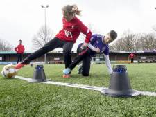 Voetbalclub HSC '21 en jongerenwerk Skillz houden trainingsdag, maar waar zijn de jongeren?