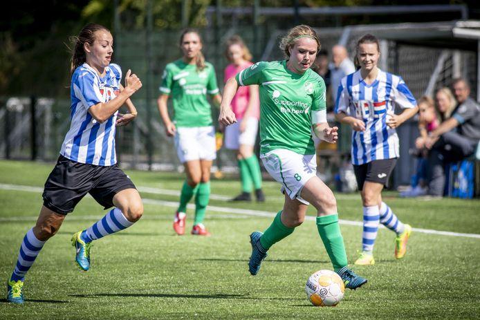"Berghuizen-speelster Judith Engberink: ""Vrouwenvoetbal maakt grote stappen."""