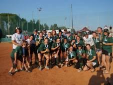 Softbalsters Roef! trots op brons bij Europees debuut: 'Goud gaat er ook ooit komen'