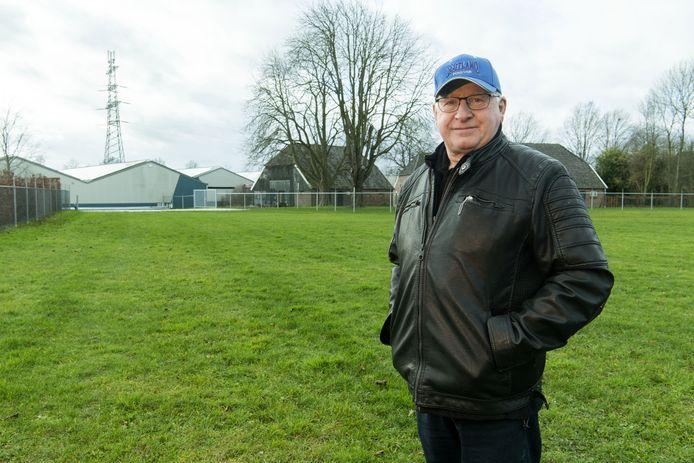 Hans Beerten, de man achter Music Show Holland, op het terrein waar hij The Castle wil bouwen.