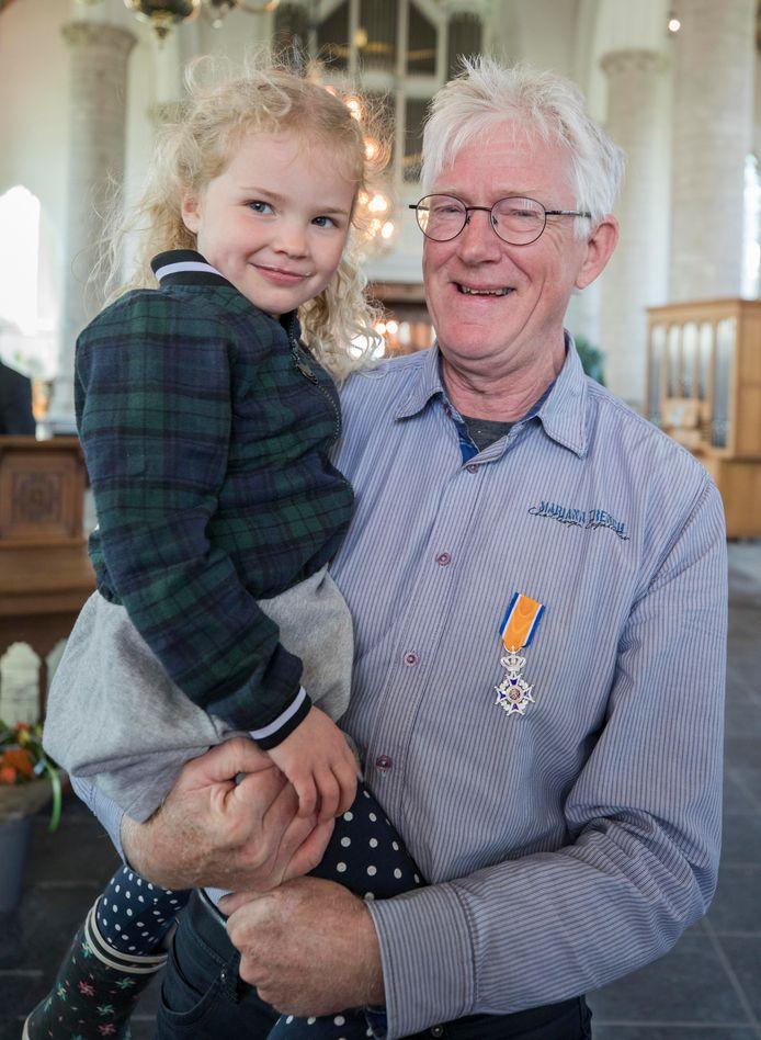 C. Steur met kleindochter Pleun Steur