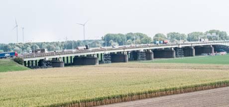 Onderzoek naar brug A12 levert niks op, rijstrook blijft dicht
