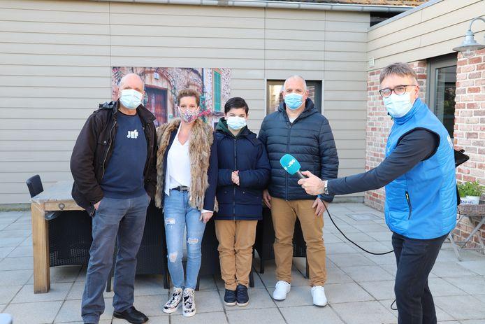 Joe presentator Carl Schmitz bracht samen met Jef De Smedt een bezoekje aan Thibau.