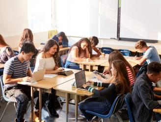 Uitgeverij Averbode maakt van leerkrachten studiecoaches met doe-het-zelf lespakketten Sync it en Swipe it